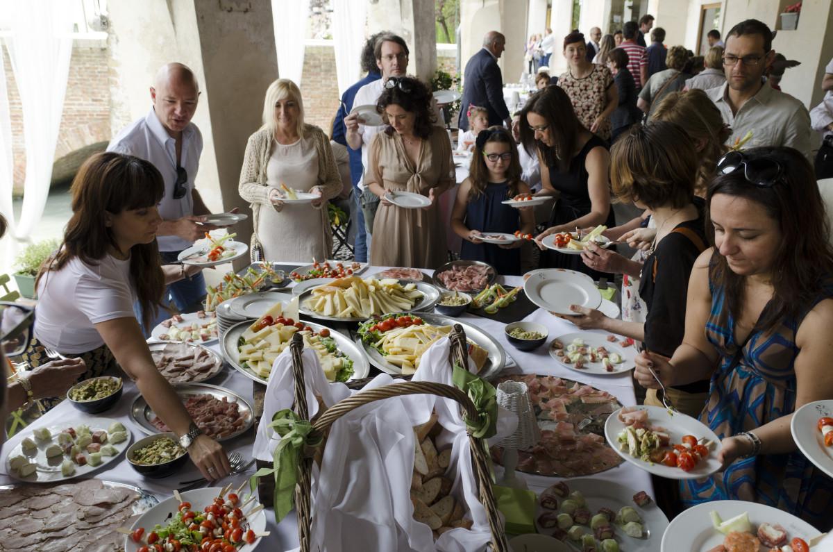 Come Organizzare La Cabina Armadio Come Organizzare Il Matrimonio Come Montare Una Cucina