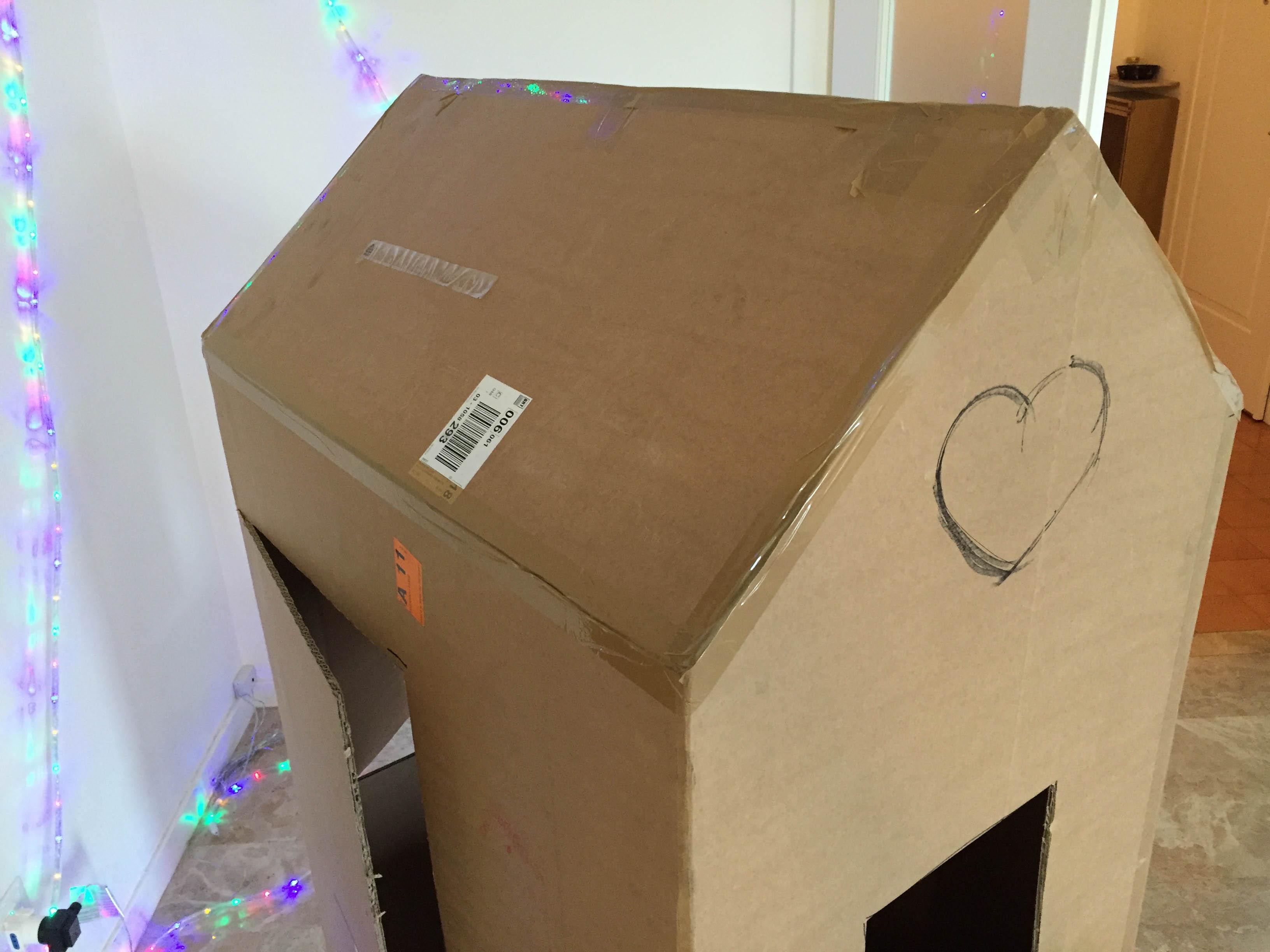 Popolare Come costruire una casetta giocattolo in cartone LU45