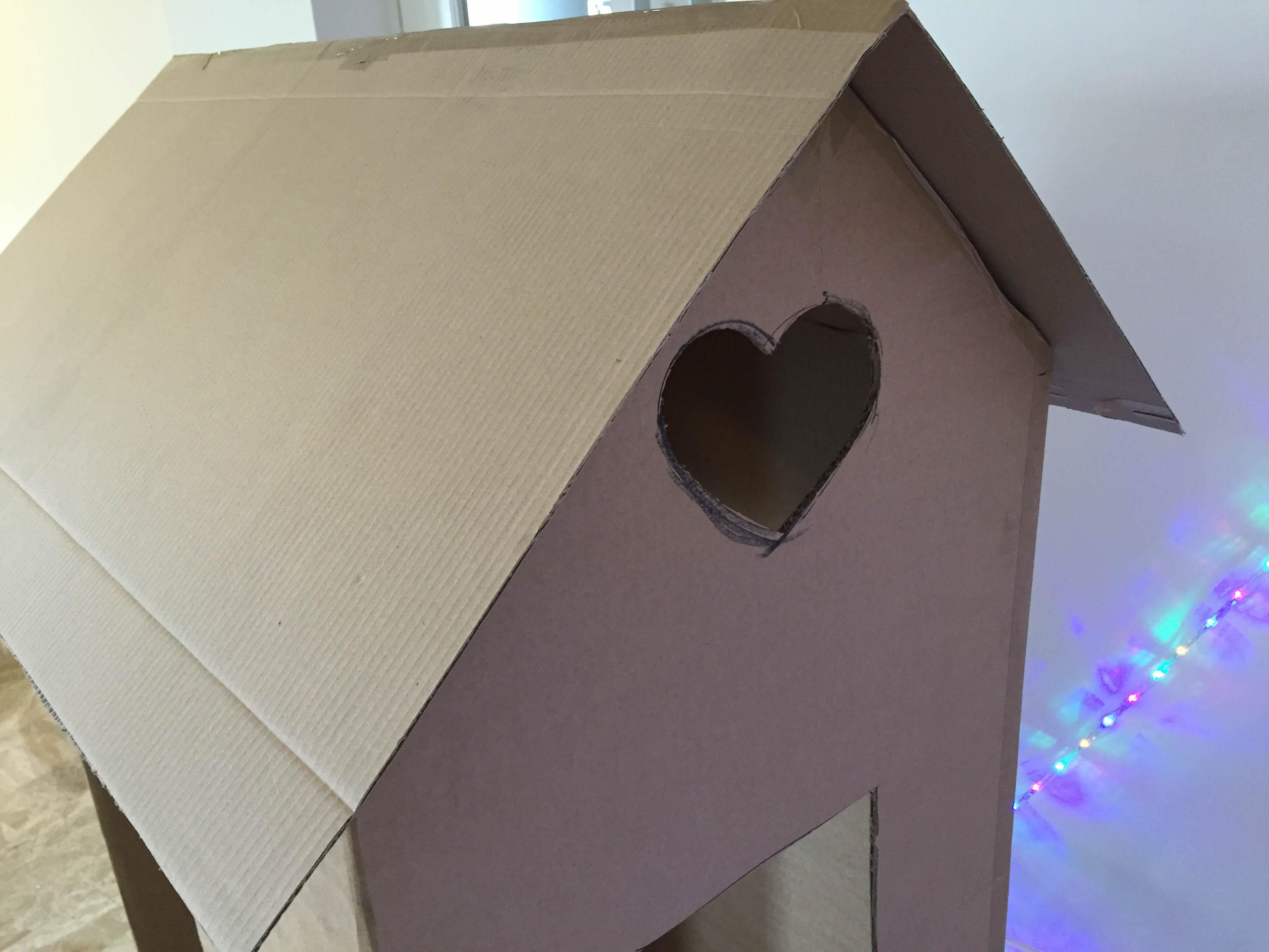 Come costruire una casetta giocattolo in cartone - Casetta in cartone da colorare ...