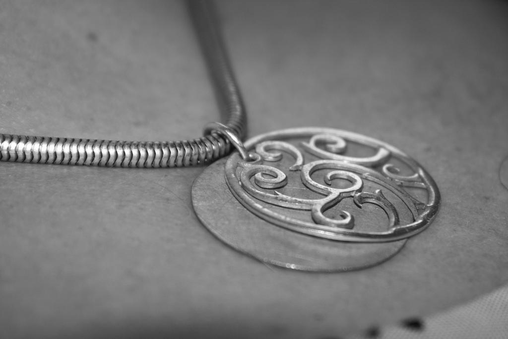 Come pulire l 39 argento in modo naturale - Come pulire argento in casa ...