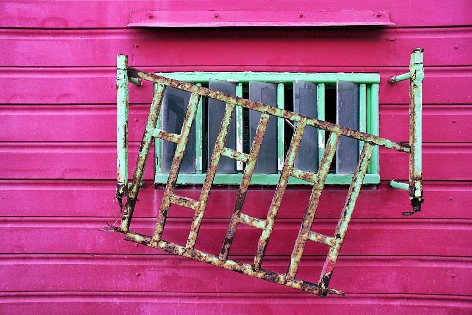 Come applicare nella propria casa la teoria delle finestre rotte