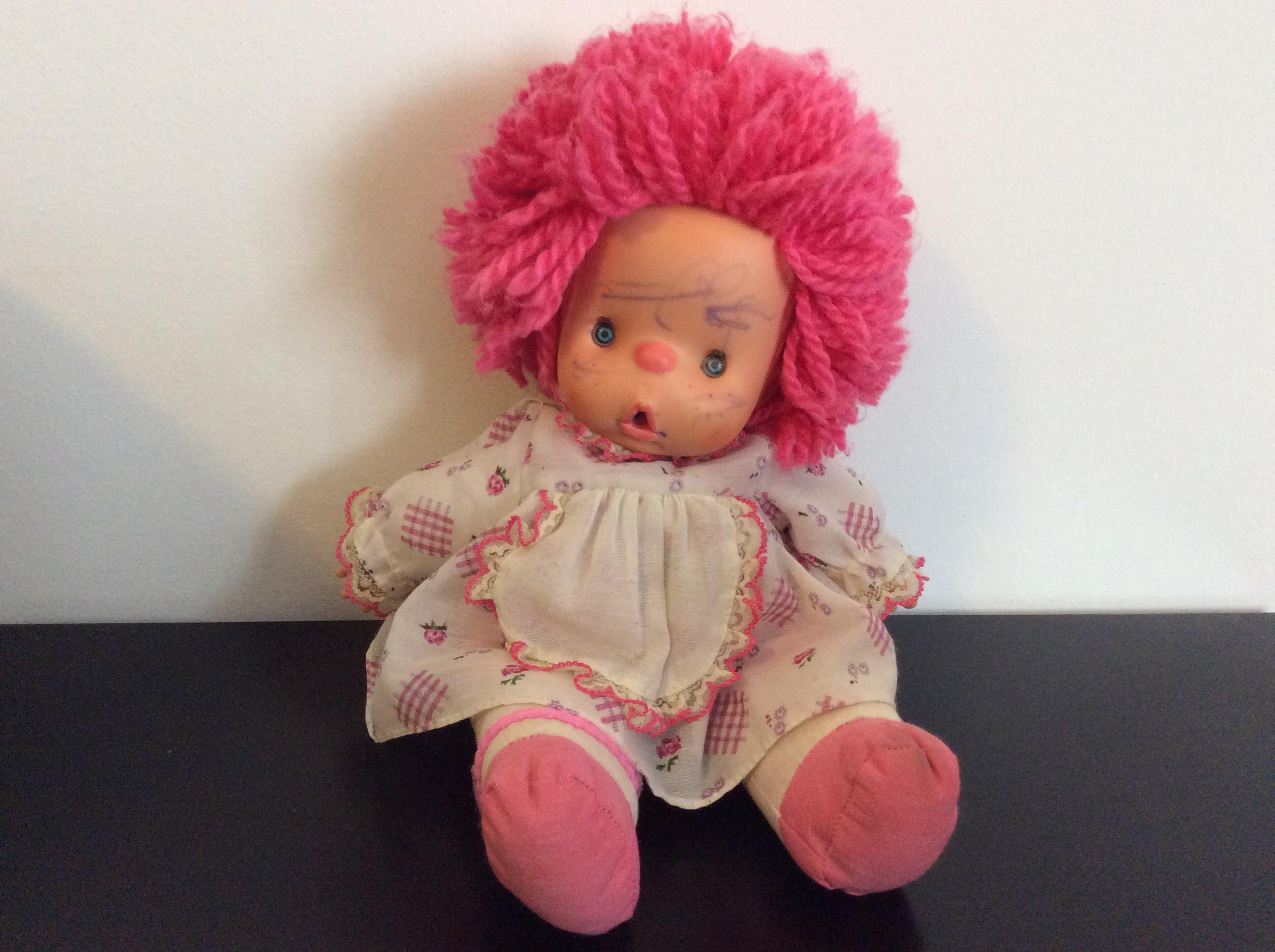 Come togliere le macchie di inchiostro da una bambola